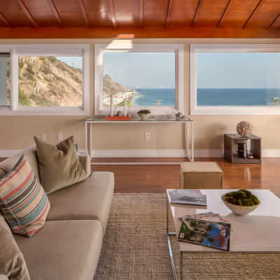 <a class=icon-e-link target=new href=http://lalivingimage.com/20717pch>20717 Pacific Coast Highway</a>