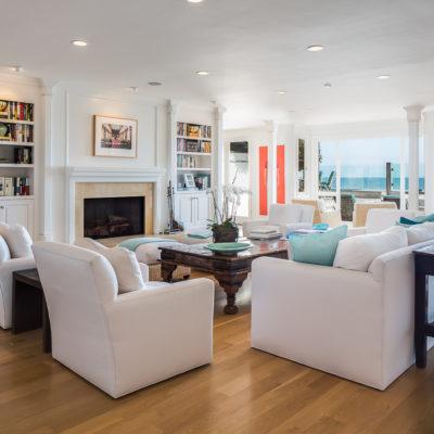 <a class=icon-e-link target=new href=http://lalivingimage.com/malibubeachhouse>Malibu Beach House</a>